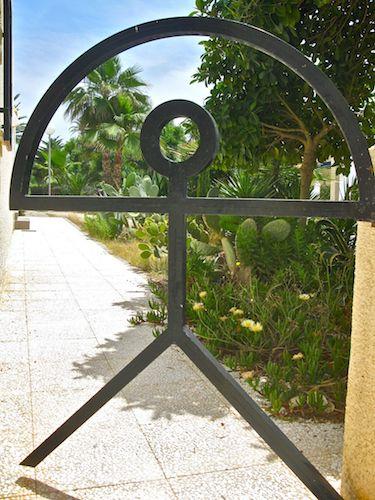 Indalo Man gate