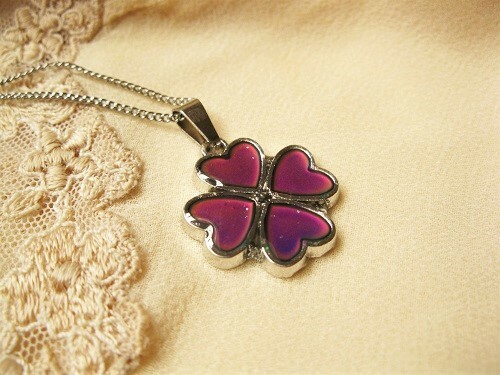 Lucky clover colour change necklace