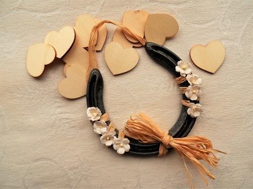 Lucky horseshoe with hearts