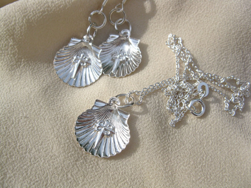 Scallop shell earring jewelry set