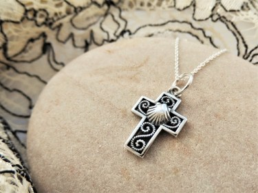 Cross with scallop shell filigree