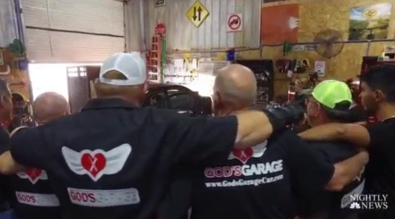 A Texas Car Garage Uses Volunteer Mechanics To Fix And Overhaul Cars For Single Moms