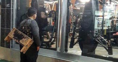 Turkish Gym Gives 12-Year-Old Syrian Refugee, Gazing Through Window, Free Lifetime Pass