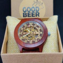 Red-sandal-mechanical-wooden-watch