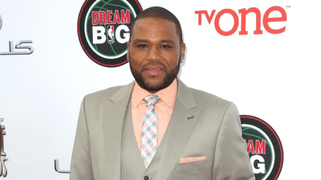 022214-fashion-beauty-naacp-image-awards-red-carpet-3-anthony-anderson.jpg