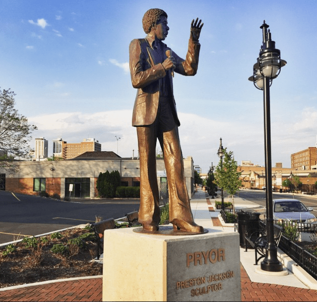 Richard Pryor statue unveiled in Peoria, IL. (Photo: Instagram)