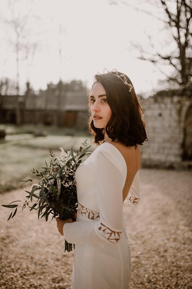 mariage minimaliste dans une abbaye