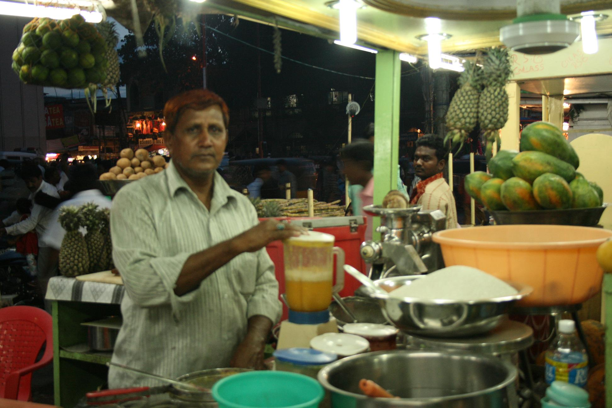 Fruit juicewalla near Charminar