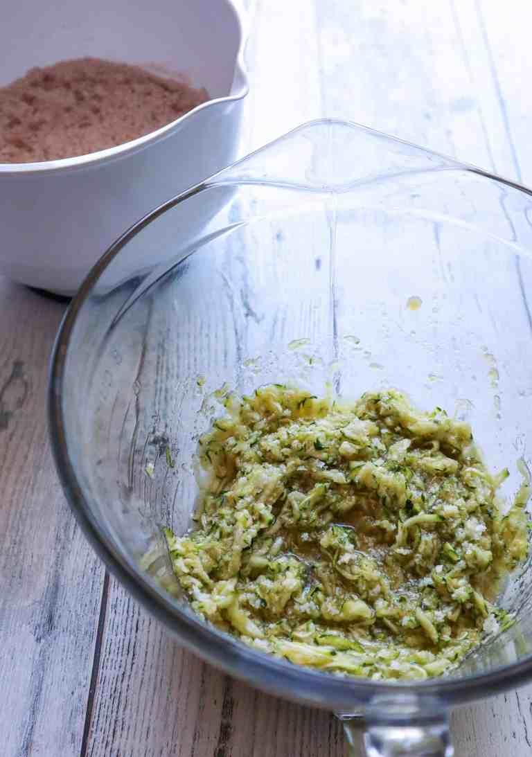 zucchini mixture to make chocolate muffins