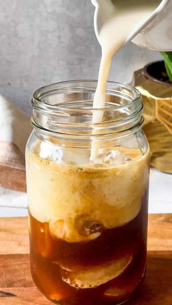 Adding-Oatmilk-to-Shaken-Espresso