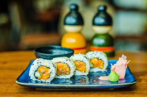 Spicy Salmon Cream Cheese & Cucumber Uramaki