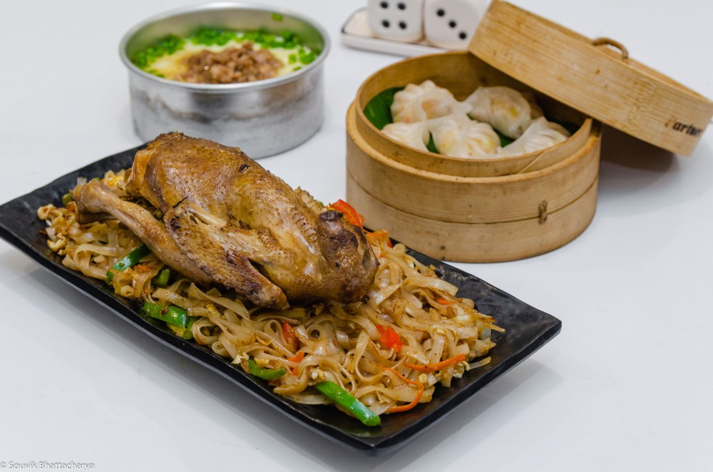 Stir Fried Noodles with Whole Chicken in Wokies two-dimensional restaurant
