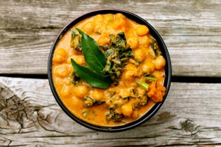 Coconut Curry with Chickpeas, Kale & Sweet Potato
