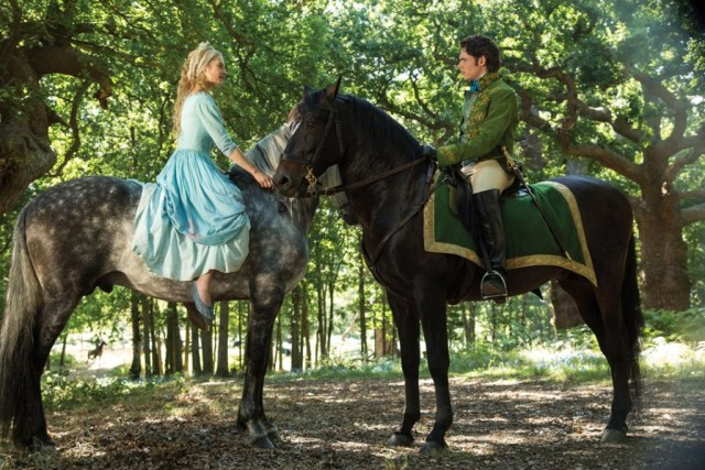 Review Cinderella 2015-Review Frozen Fever-Ella ontmoet de prins_GoodGirlsCompany