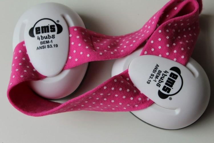Ems 4 Bubs-gehoorbescherming voor babys-oorkappen voor babies-draagdoek-GoodGirlsCompany-ervaring Ems 4 Bubs