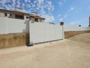 valla pvc y puerta pvc