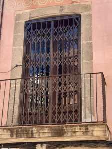instalar reja ballesta puerta balcón mataró 4