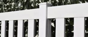 Valla PVC modelo C4