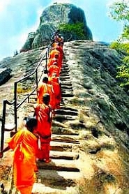 sri lanka poya day (31)