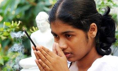 sri lanka poya day (35)