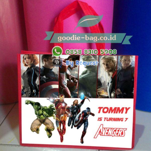 Tas Souvenir Ulang Tahun Anak The  Avengers