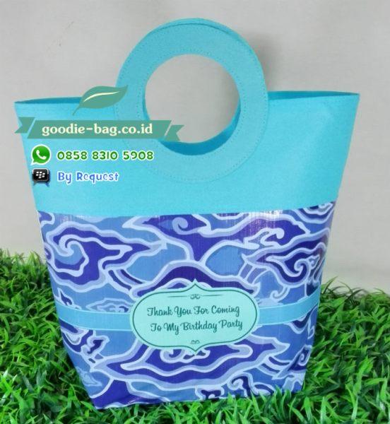 tas pegangan bula batik unik