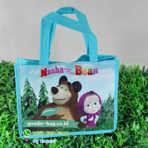 tas ulang tahun masha and the bear