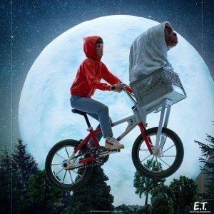 Figurine Lumineuse LED E.T Extraterrestre & Elliot Iron studios