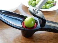 オリーブの種抜きはどのタイミングで?種抜き器を使ってみての感想!
