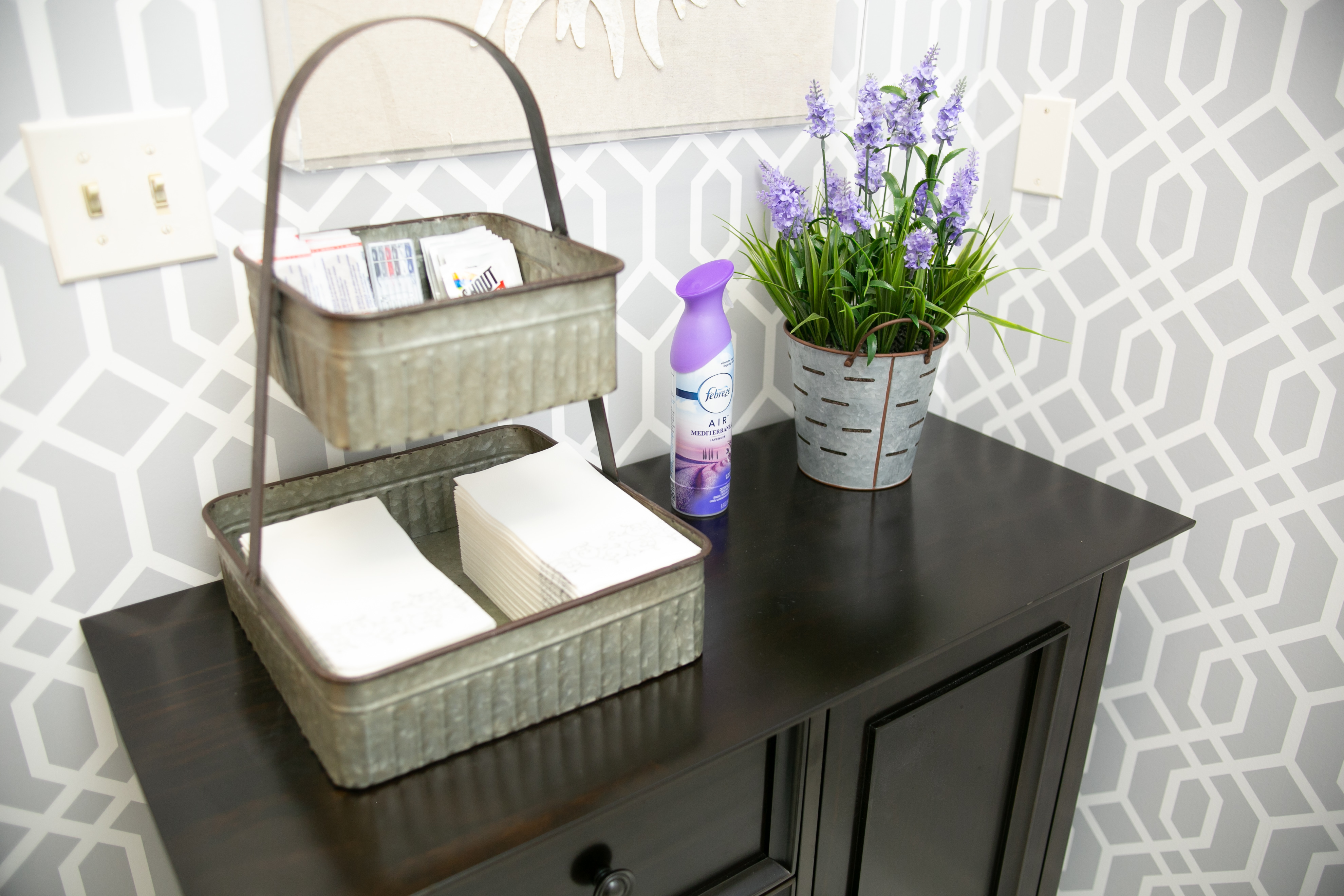 Side Table with Paper Towels | Our Office | Good Life Center | Therapy Services in Cranford, NJ | 07016