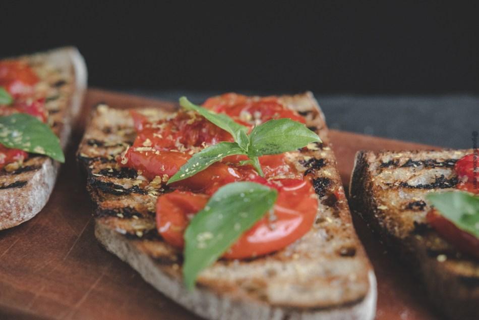 early girl tomato toast