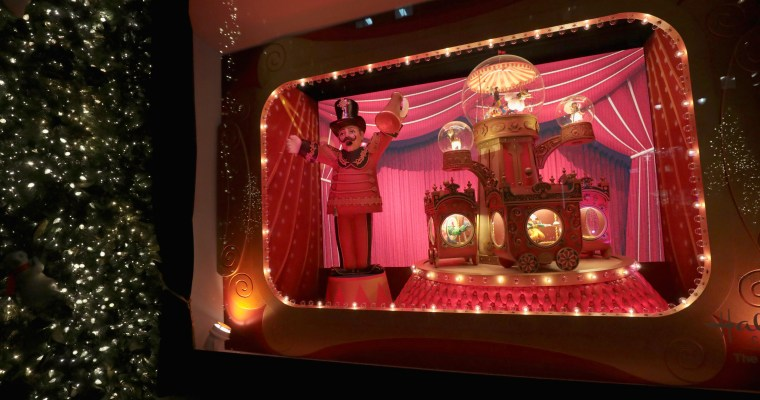 Check Out the Photos of Lord & Taylor's 2017 Holiday Windows!