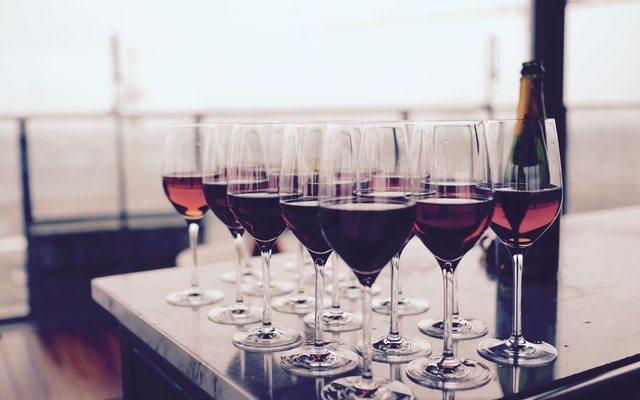 Top 4 Kosher Wine Picks for Thanksgiving Dinner