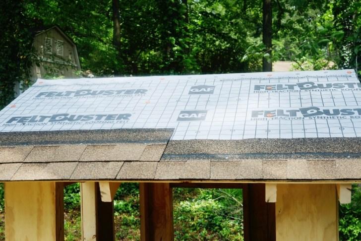 DIy playhouse farmhouse (42)