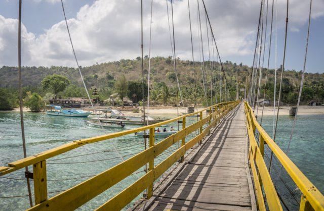 Bali attracties Nusa Lembongan gele brug