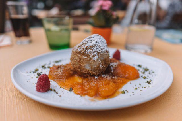 Linz Restaurant de Deense desserts