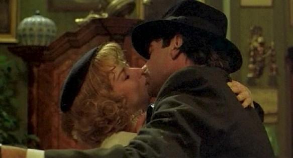 《地下社會》馬可和娜塔莉喝醉跳舞