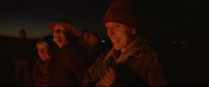 《游牧人生》劇照:篝火邊每個人說著自己的故事