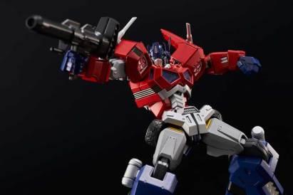 Flae Toys Optimus Prime Pic 2
