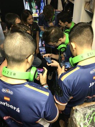 sbm_razer_gamescom2018_teamqueso