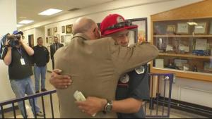 Man_Pays_It_4ward_to_ABQ_Recycling_truck_driver_who_saved_his_mother39s_life-syndImport-113009