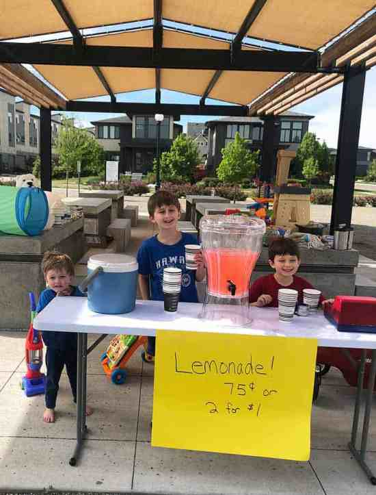 the best lemonade recipe; 3 boys and their lemonade stand