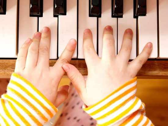 music programs that will build your brain, good parenting brighter children, benefits of music education in schools, positive effects of music education, value of music education