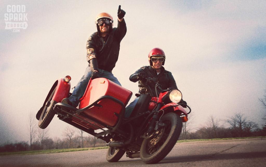 Moto Sans Side Car