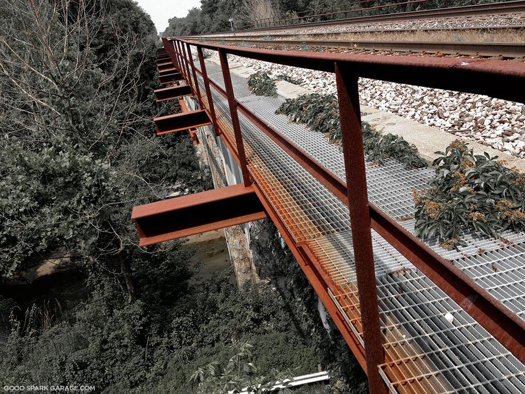 CSX-haunted-bridge-railroad-tracks