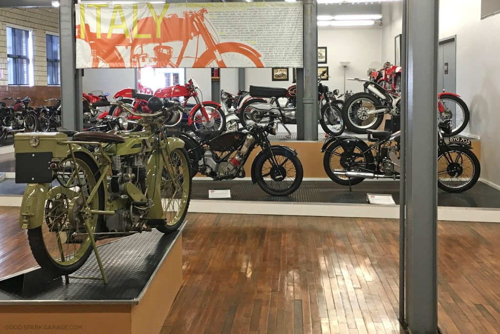 moto-museum-stlouis-inside