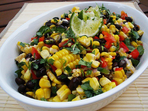 https://i2.wp.com/goodtaste.tv/wp-content/uploads/2011/01/Roasted_Corn_and_Black_Bean_Salad.jpg