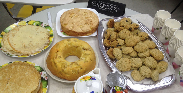Блины и пироги для тайваньских студентов.