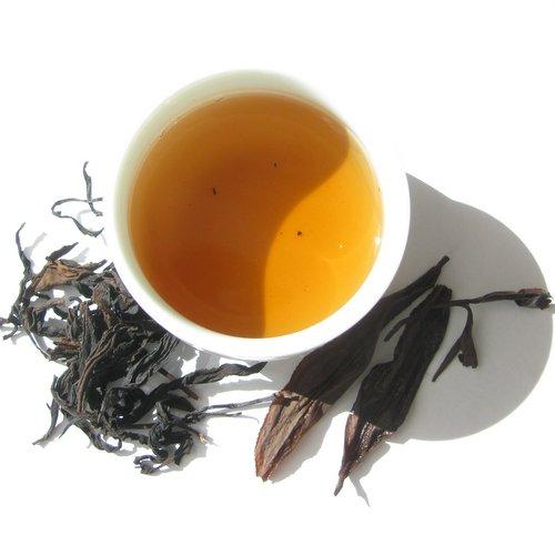 Выдержанный улун из высокогорных дикорастущих чайных деревьев