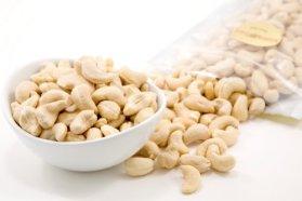 Raw Organic Cashews (1 Pound Bag)
